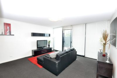 Yarra Crest: Entertainers Delight with HUGE Terrace!