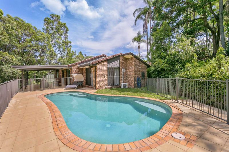 PRIVACY AND VIEWS IN PEACEFUL HILLTOP LOCATION