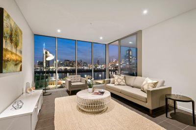 Breathtaking New Corner Retreat in Wharf's Entrance