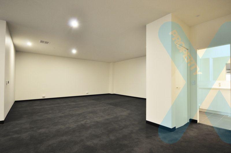 Huge 1 Bedroom Apartment! Must Inspect to Believe!!