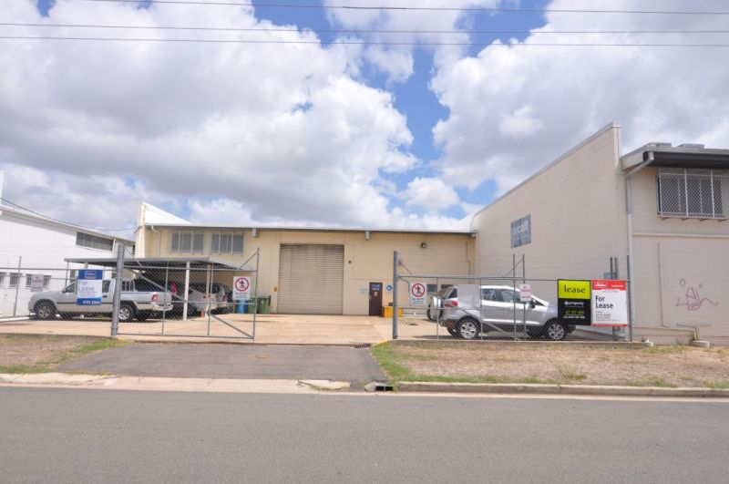Large air conditioned Aitkenvale wareouse - Recall vacating