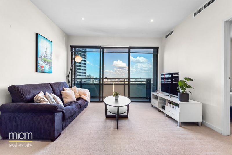 Clarendon Towers: Light-Filled, Luxury Living with Uninterrupted Bay views