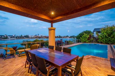 NORTH FACING BREATHTAKING WATERFRONT OUTLOOK