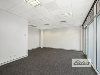 MODERN STYLE OFFICE/WAREHOUSE WITH 9 ONSITE CAR PARKS!