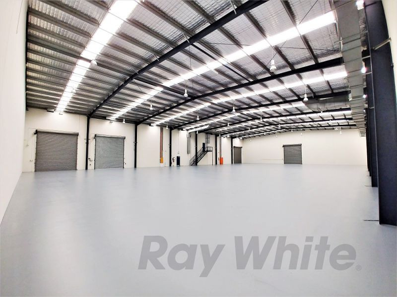 2,330sqm* HIGH QUALITY MANSFIELD OFFICE / WAREHOUSE WITH SECURE YARD