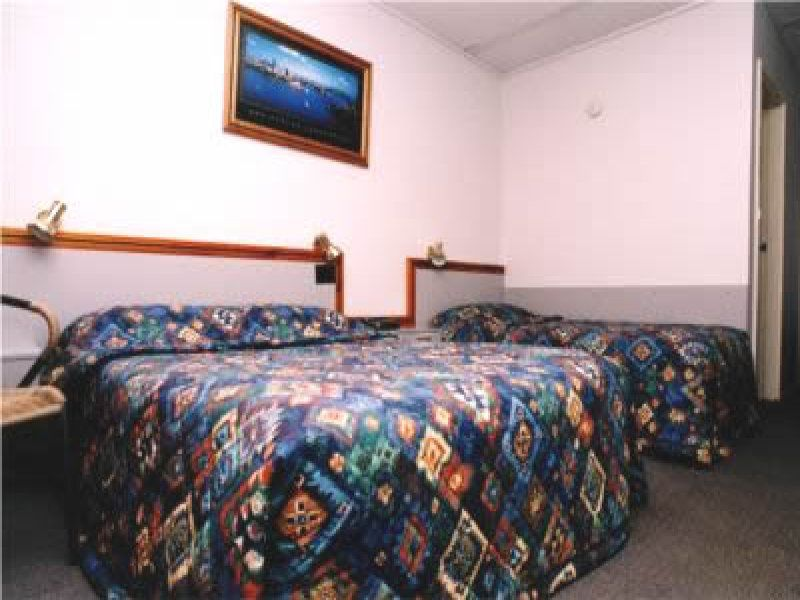 MOTEL - CENTRAL-WEST COUNTRY CENTRE