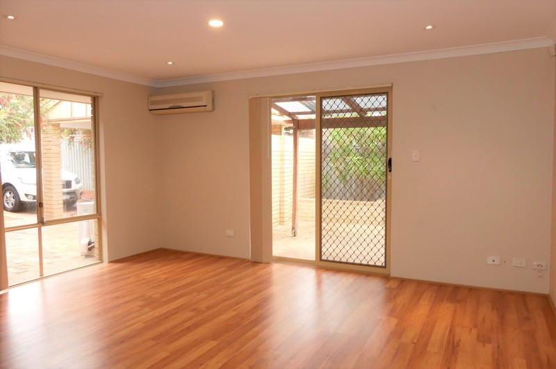 QUIET LOCATION EASY CARE FAMILY HOME