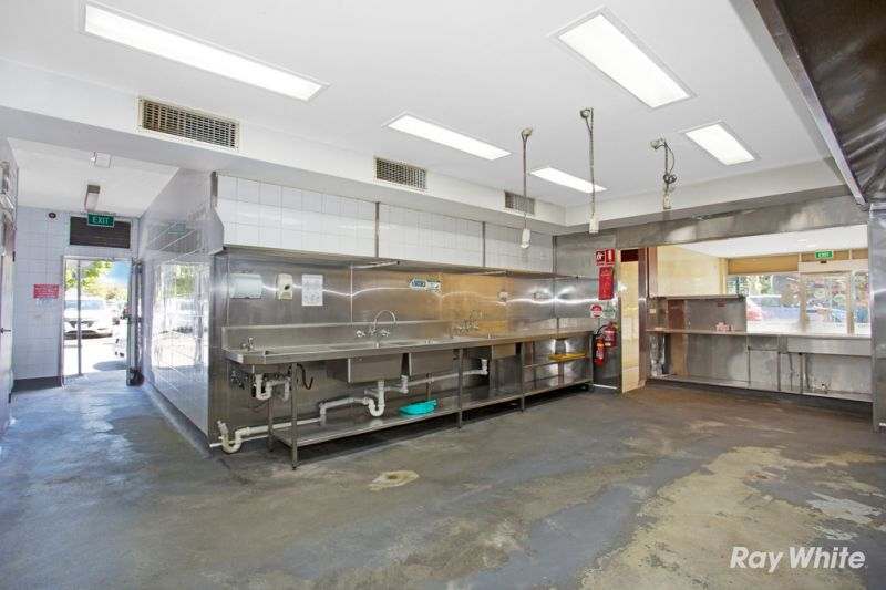 Golden Location with food Set-up Opportunity