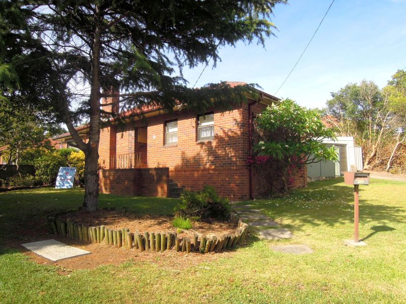 FANTASTIC LOCATION - LAWN AND GARDEN MAINTENANCE INCLUDED