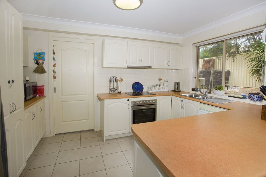 4/14 Raymond Road, Thirroul NSW