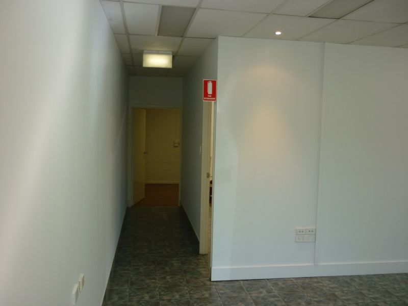 68m² Neat & Tidy Suite of Offices Strathpine