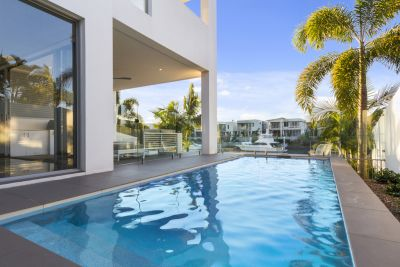 Spectacular North to Water Home