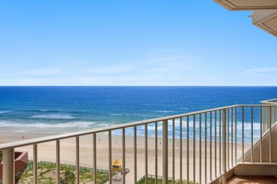 Furnished 3 Bedroom Absolute Beachfront Apartment!!!