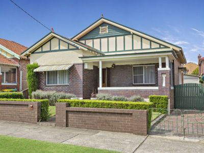Size, position & charm in a character bungalow