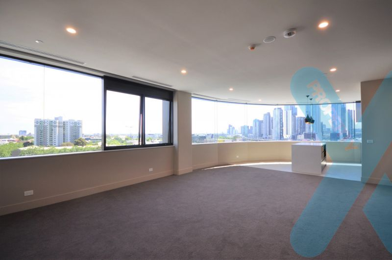Views from the Bay to the City! MASSIVE ONE BEDROOM APARTMENT!