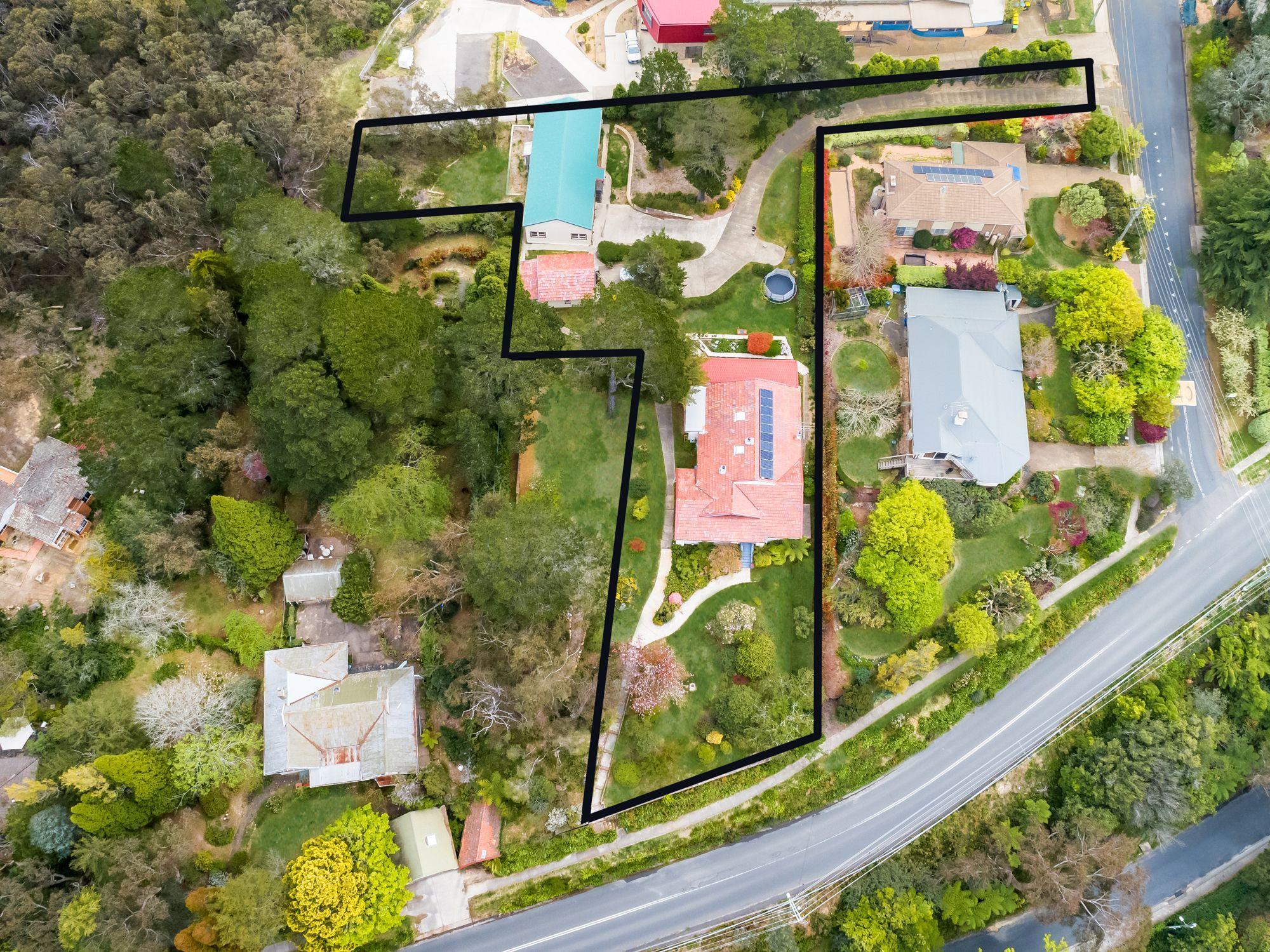 30 Blaxland Road Wentworth Falls 2782