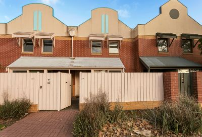 GREAT LOCATION WITH LOW MAINTENANCE LIVING