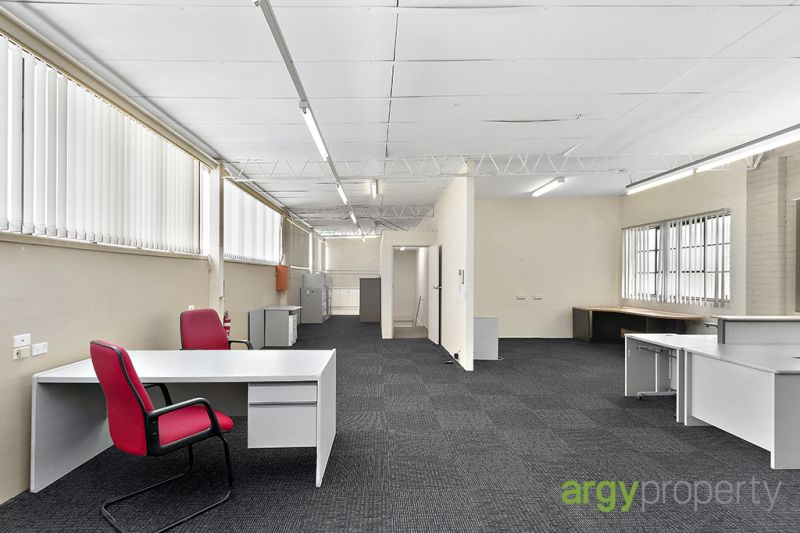 Level 1 - Affordable Open Plan Office area in Carlton