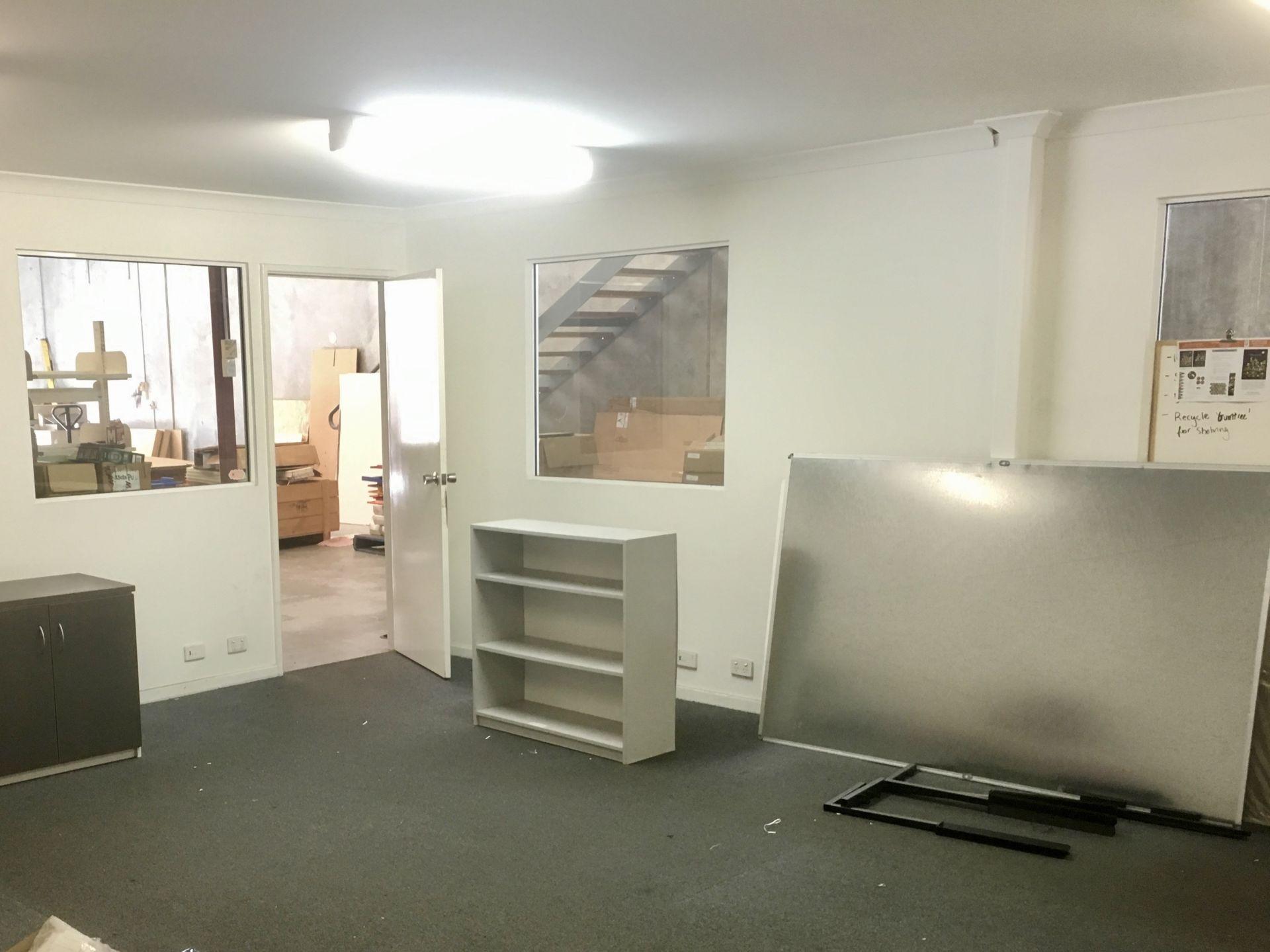 Office / showroom warehouse unit with mezzanine storage level - suit many uses