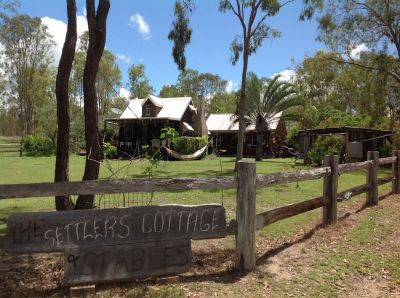 """THE SETTLERS COTTAGE & STABLES"" AIRBNB"