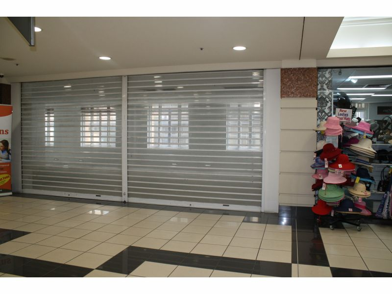82 m2 Corner Position Shop  main thoroughfare Anzac Square Arcade