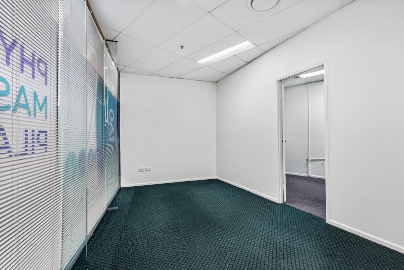 GROUND FLOOR PROFESSIONAL OFFICE/RETAIL OPPORTUNITY IN CALOUNDRA