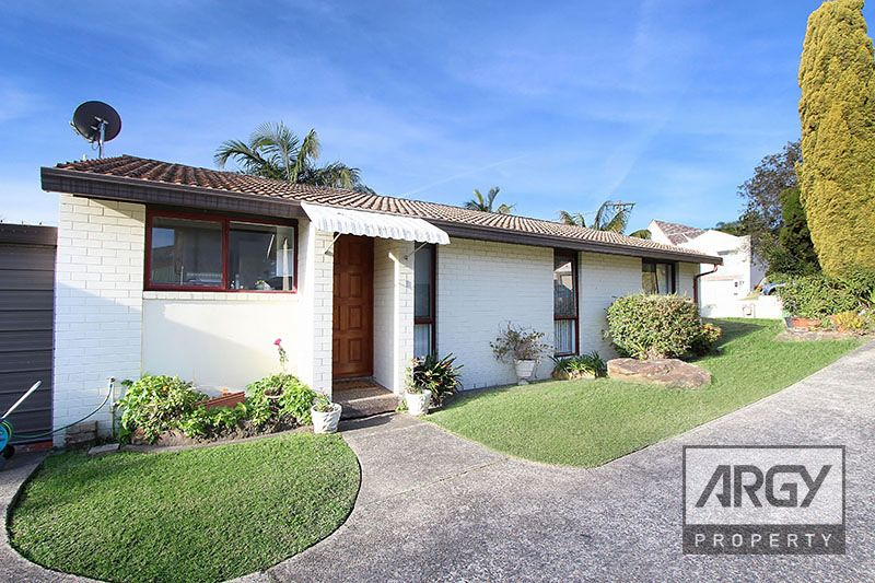 Sold by Bart Fenech - $800,000.