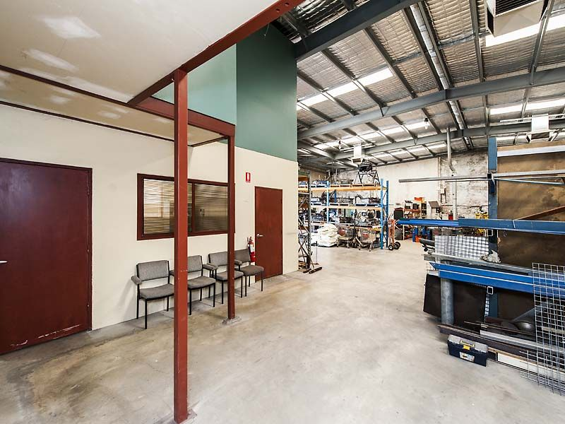 QUALITY OFFICE/WAREHOUSE FOR SALE, CANNINGTON