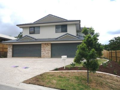 Brand New - Duplex - Hawthorne Woods Estate