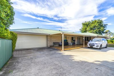 WHAT AN OUTSTANDING PROPERTY TURN KEY AND PRIVATELY POSITIONED!