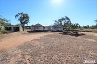 MASSIVE 4 BEDROOM - 2 BATHROOM HOME WITH SHED