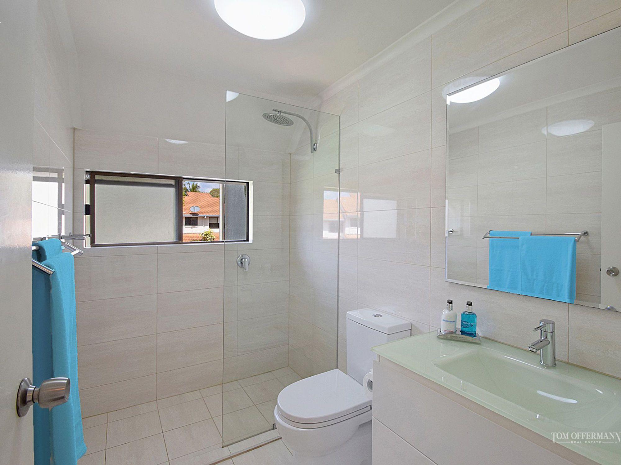 Toilet Tennis Voyeur-8779