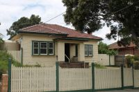 Great family home with evaporative cooling!