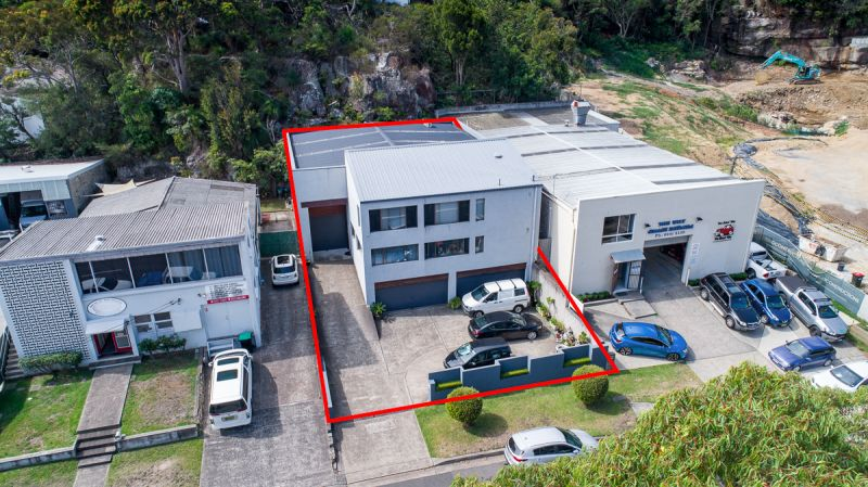 FOR LEASE 150M2 WAREHOUSE IN THE HEART OF CROMER