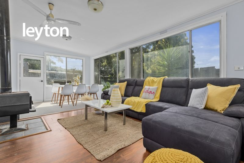 6 Amos Court, Clayton South