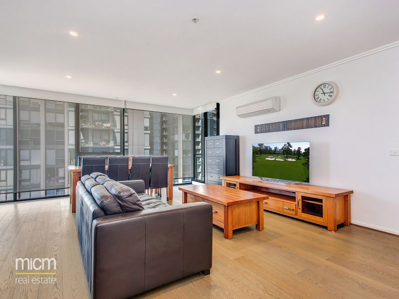 Renovated Two Bedroom Apartment in Southbank!