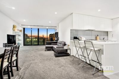 Melbourne One: Enormous Kitchen Space and a HUGE Outdoor Alfresco Area!