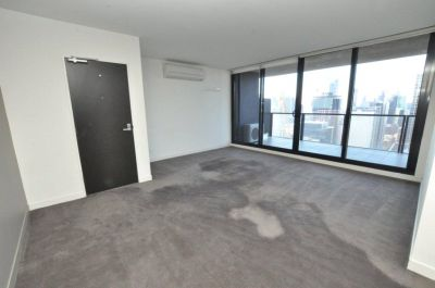 Neo 200: Bright and Spacious 32nd Floor Apartment!