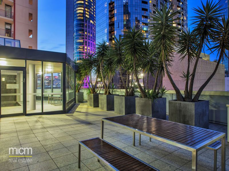 Impressive and Immaculate Southbank Living