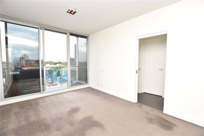 Verve: Fantastic Two Bedroom Apartment in CBD!