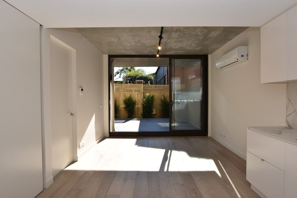 The Carlisle - Stylish Apartment Featuring Light Spaces, Modern Finishes and a Minimal Aesthetic!