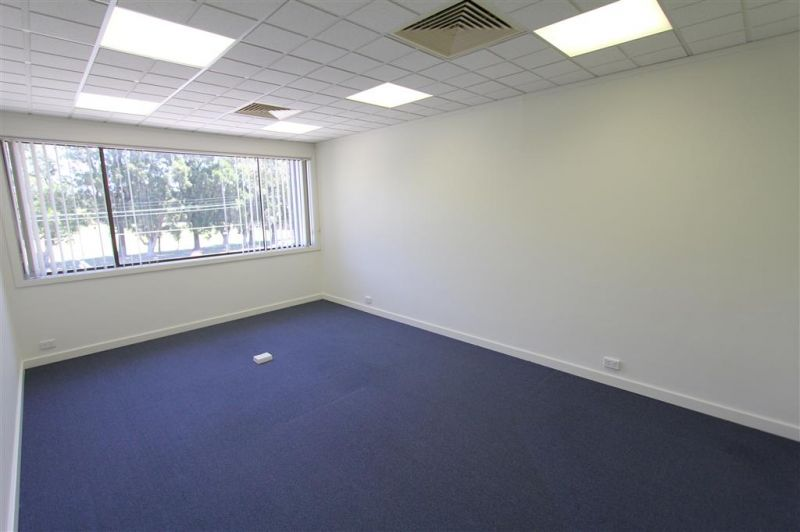 50m² Well Presented Office with Exposure