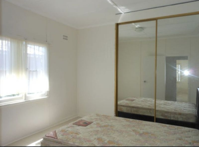 For Sale By Owner: 3 Esme Ave, Chester Hill, NSW 2162