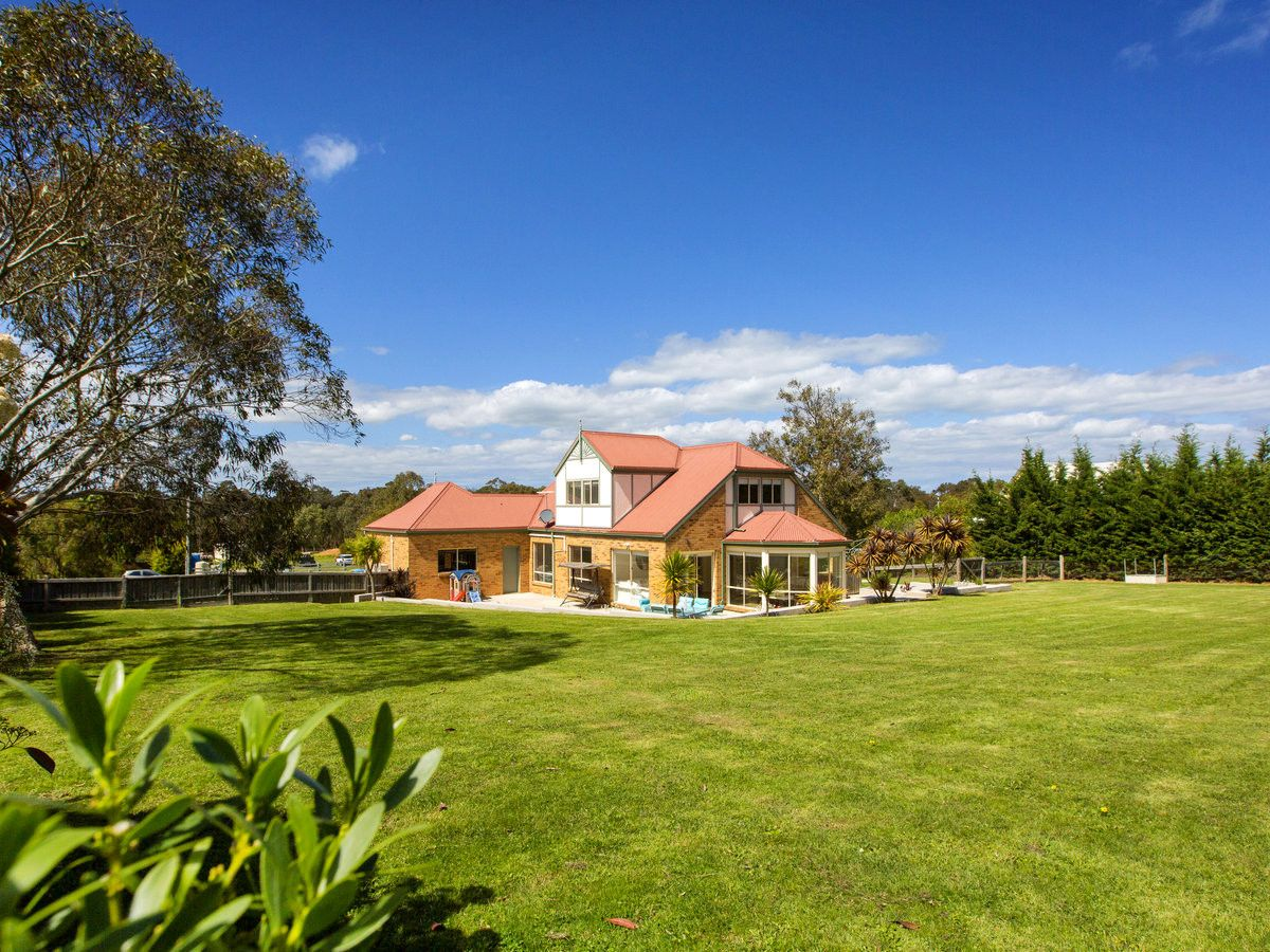 Real Estate For Sale 41 Campsie Court Somers Vic