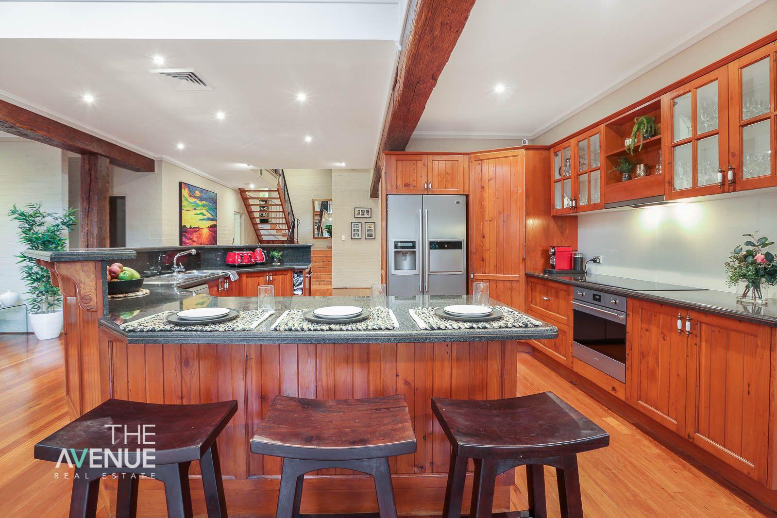 6 Hyde Avenue, Glenhaven NSW 2156