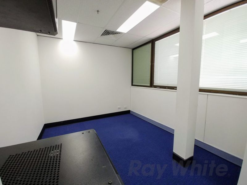 OFFICE SPACE FOR LEASE IN BURANDA VILLAGE!