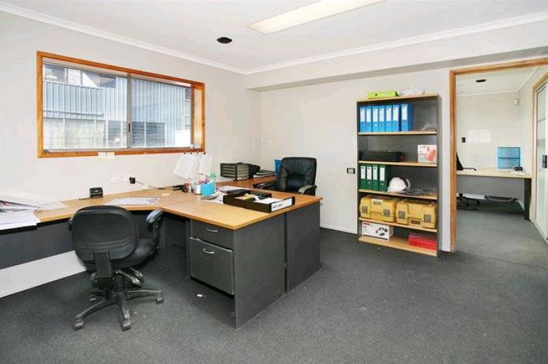 Small Office with Storage Yard
