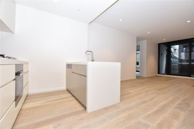 Brand New Two Bedroom Apartment in Opera Melbourne!