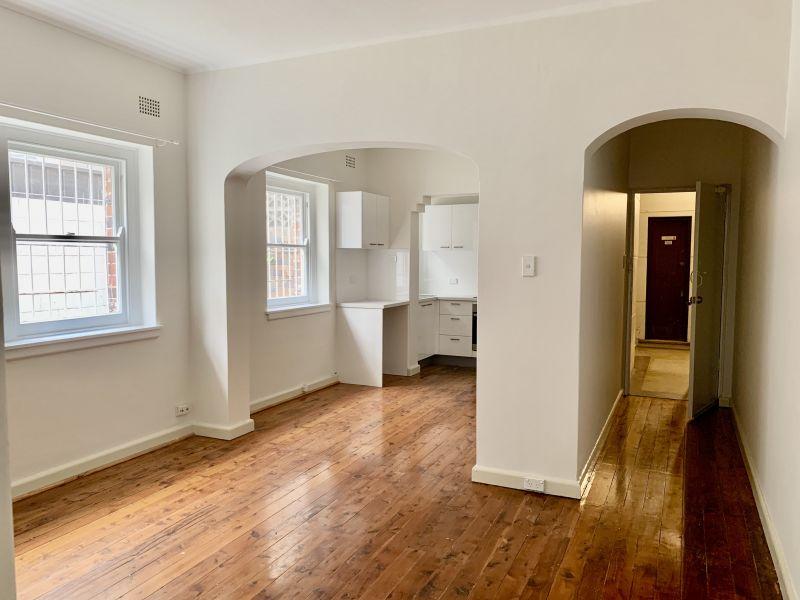 Renovated One Bedroom plus Sunroom Apartment