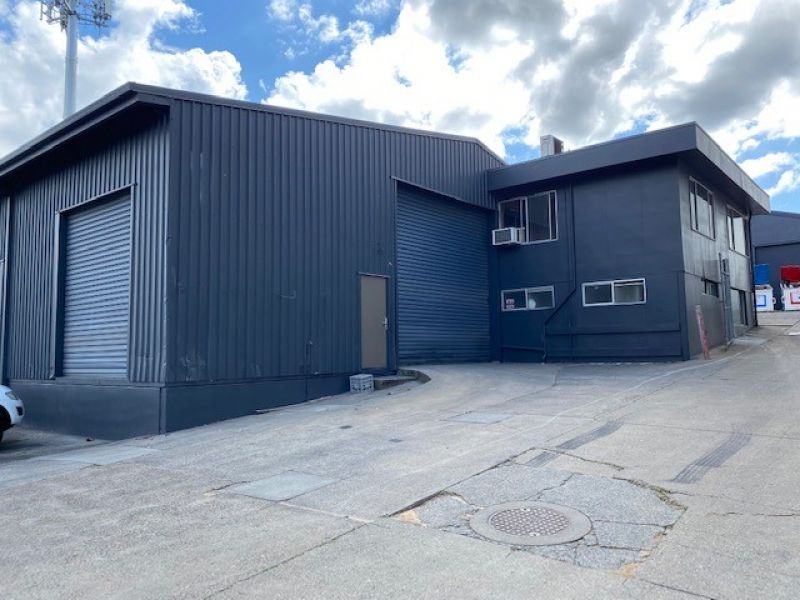 Main Road Warehouse with Hardstand